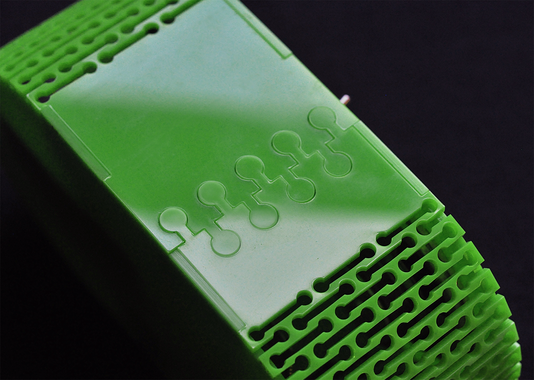 Laser cut acrylic bluetooth speaker -  joint detail. Dougie Scott